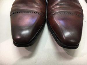 革靴のつま先のキズ。after